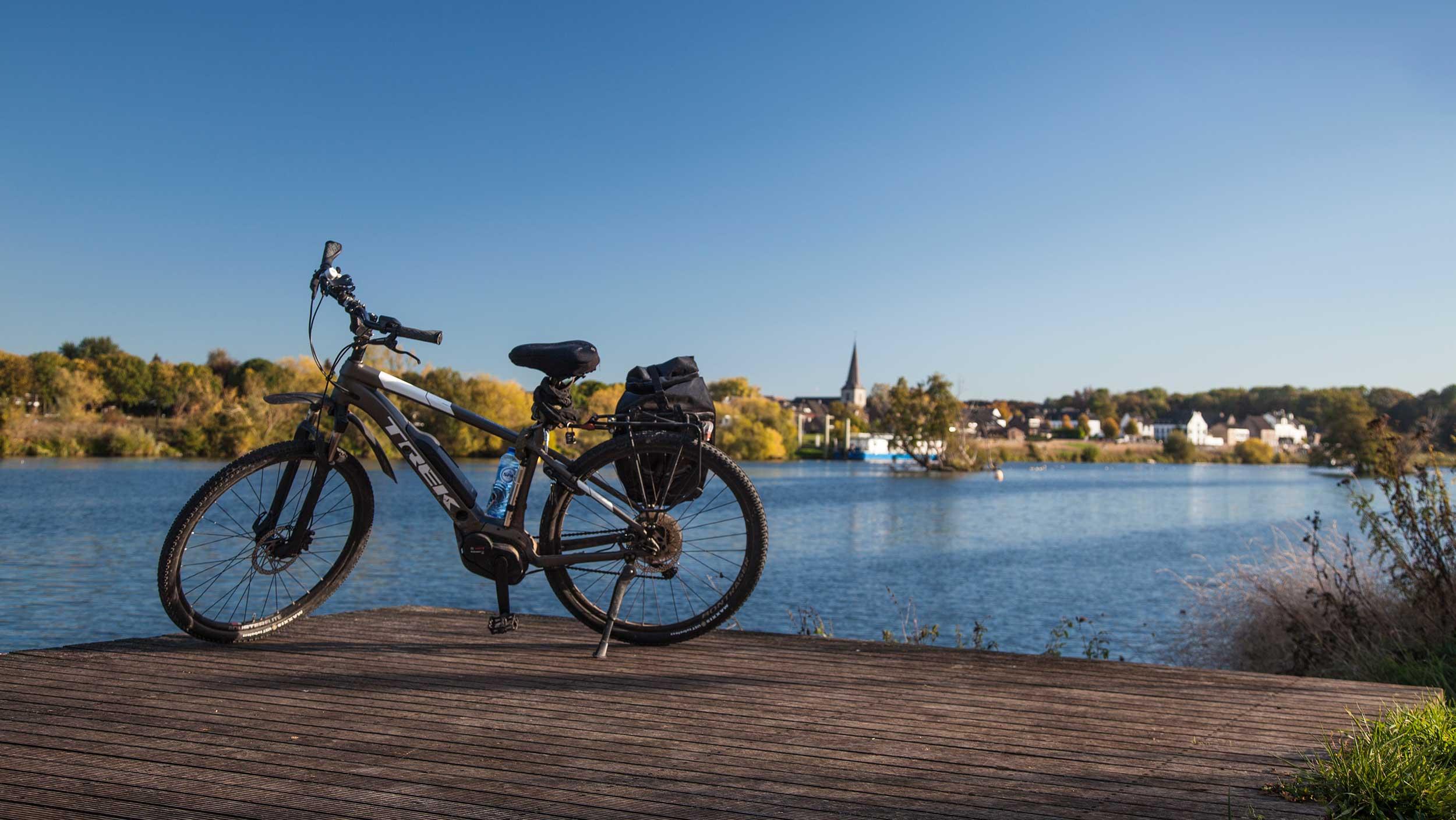 Mosa-E-bike tours-cycling-adventure-sint-pieter-maastricht-eijsden-rivier-Maas-meuse-Trekbike