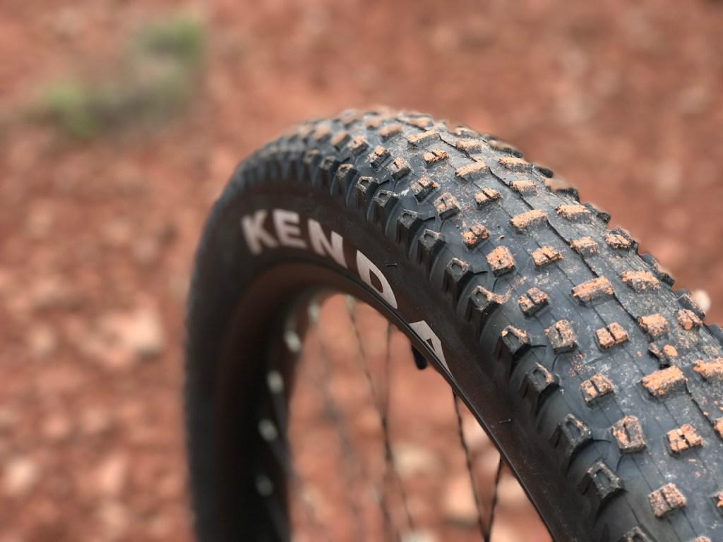 IZIP-E3-Peak-electric-mountain-bike-rear-tire